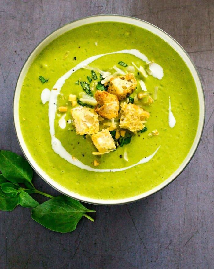 brokkolisuppe rezept, mittagessen ideen, gesund essen, vegetarische gerichte, gemüsesuppe