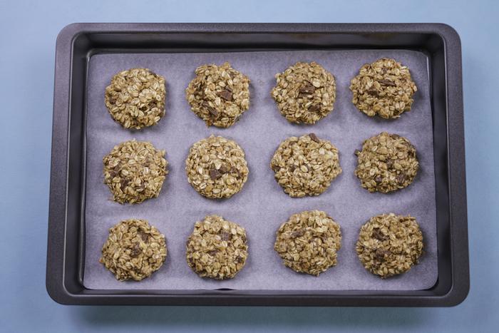 cookies rezept, party essen ideen, selbstgemachte kekse mit haferflocken und bananen