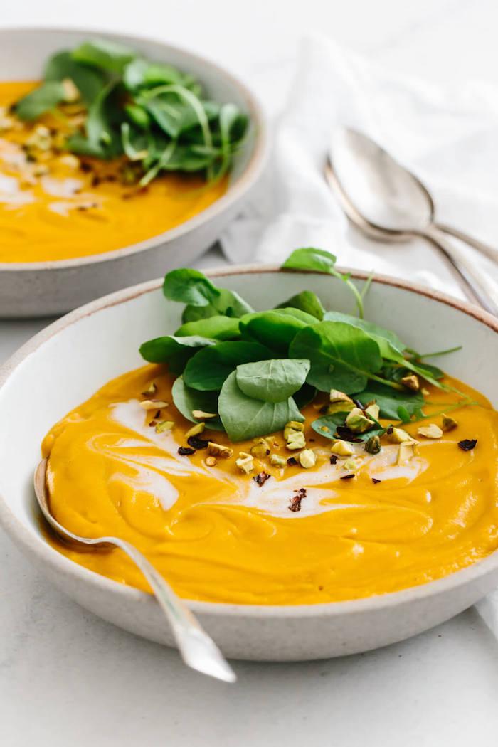 cremesuppe yubereitungsweise, leckeres abendessen, warmes gericht, winterrezepte