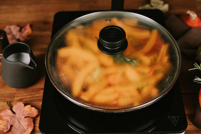 cremesuppen rezepte, kürbis dämpfen, butternusskübis suppe, kürbissuppe einfach