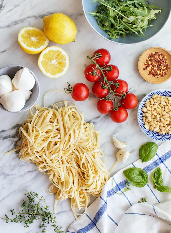 einfaches abendessen, cherry tomaten, nuddeln kochen, zutronen, pasta rezept schnell