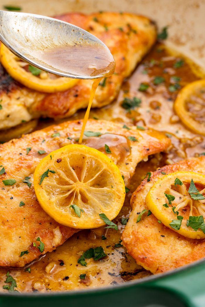 gesundes essen rezepte, hühnerbrust mit zitronen, honigsoße und kräutern, was koche ich heute schnell