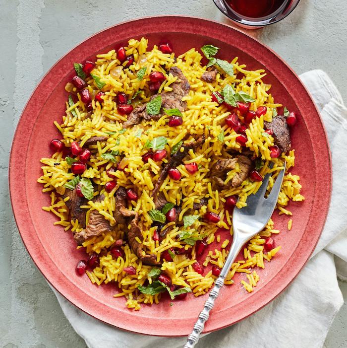 schnelles abendessen, gesundes essen rezepte unter 30 minuten, reis mit fleisch und granatapfelsamen