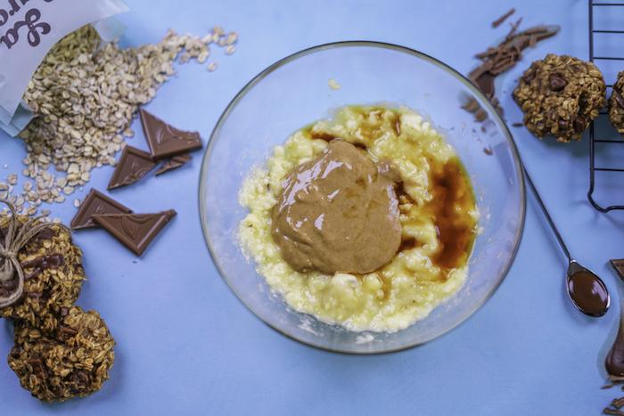 kekse backen ideen, keksenrezepte einfach und schnell, weiche cookies mit erdnussbutter, bananen und vanille