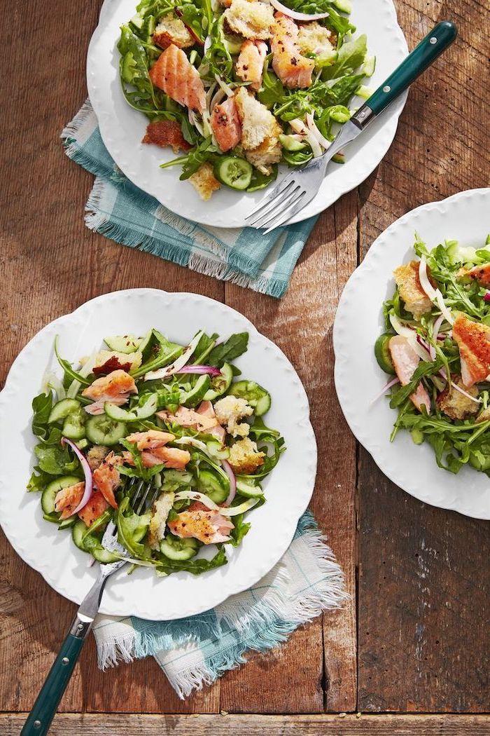 schnelle einfache gerichte unter 30 minuten, gesunder salat mit gemüse und lachs, was koche ich heute abend