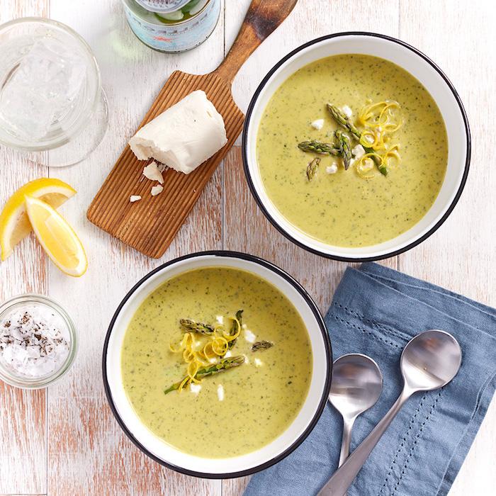 einfaches suppenrezept, cremesuppe mit spargeln, spargelnsuppe mit zitronen und kräutern