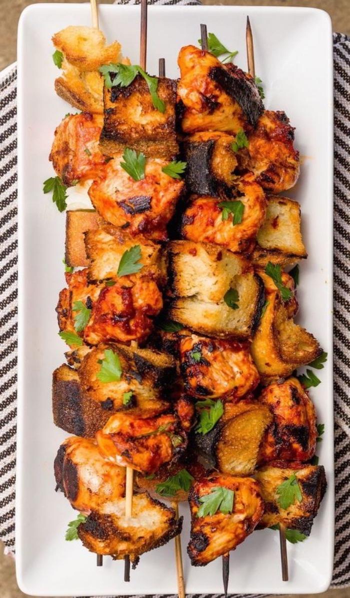 was essen wir heute, spieße mit hühnerfleisch, party essen ideen, fleischspießen zubereitung