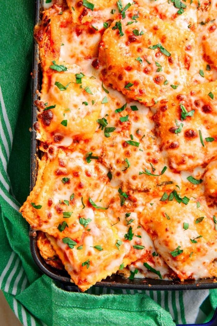 was koche ich heute, kasserolle rezept mit fleisch, käse und kräutern, mittagessen ideen