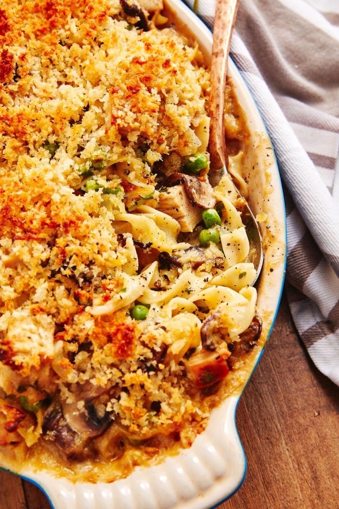 was soll ich heute kochen, kasserolle mit pasta, pilzen, truthahnfleisch und käse