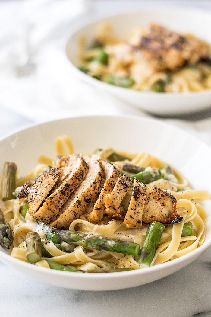 was soll ich heute kochen, pasta mit creme soße, spargen und hühnerbrust