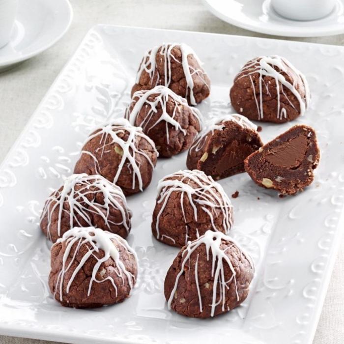 essen für kindergeburtstag, fudge pralinen mit weißer schokolade und nüssen