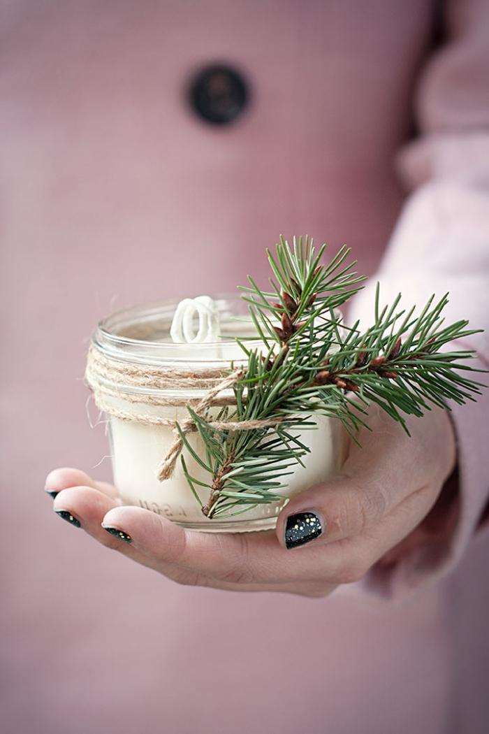 weihnachtsdeko selber machen, tischkeo basteln, weihanchtliche duftkerze, kerzen gießen