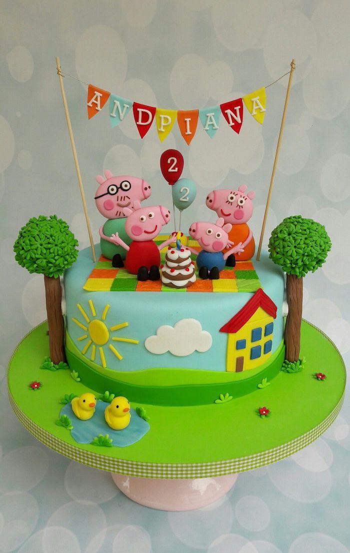 Torte für Kindergeburtstag mit Peppa Wutz Familie, Picknick machen, zwei Ballons, Kuchen und Girlande