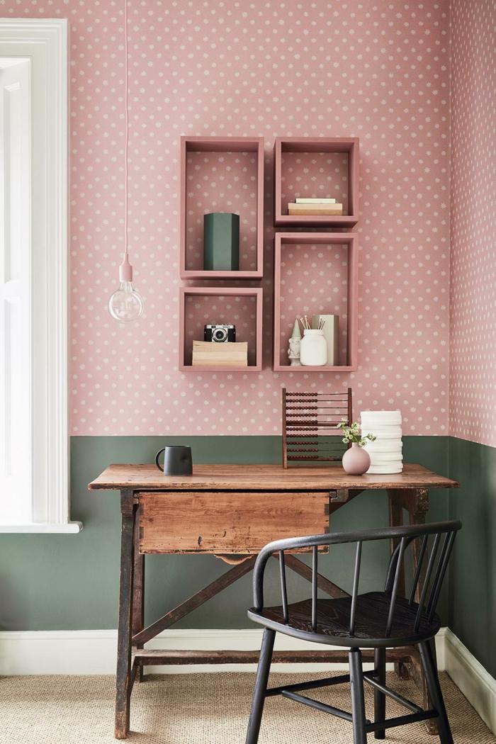 Wandfarbe Inspiration, Kleiner Schreibtisch aus Holz, altrosa Wand mit Polkadots, Colour-Blocking Wand grün und rosa, welche Farbe passt zu rosa,