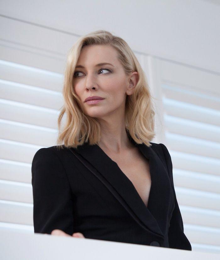 eine frau mit schwarzem sakko und blondem haar, die schauspielerin cate blanchett wird jurypräsidentin bei den filmfestspielen in venedig