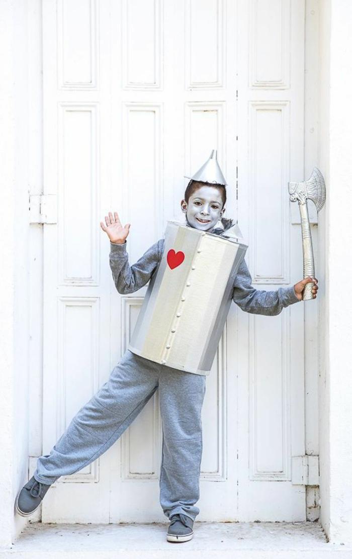 Faschingskostüme Kinder Jungen, Der Zauberer von Oz Zinnamann Kostüm aus Karton, rotes Herz