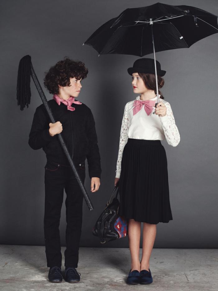 Mary Poppins und der Schornsteinfeger Kostüme, Mädchen im schwarzen Rock und weißer Bluse, trägt Regenschirm, Junge angezogen in schwarze Kleider, Kinderkostüme Fasching