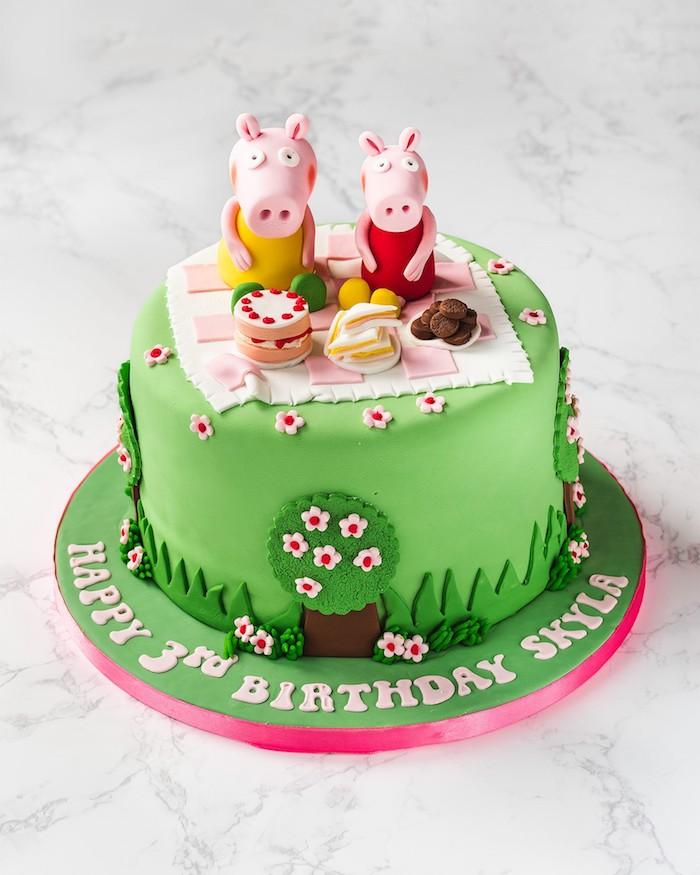 Peppa Wutz und Schorsch machen Picknick auf Geburtstagstorte, grüner Fondant, lustige Geburtstagstorten