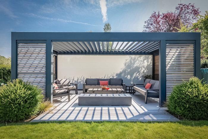 Lamellendach im Garten installieren, die schönen Seiten des Sommers noch schöner machen