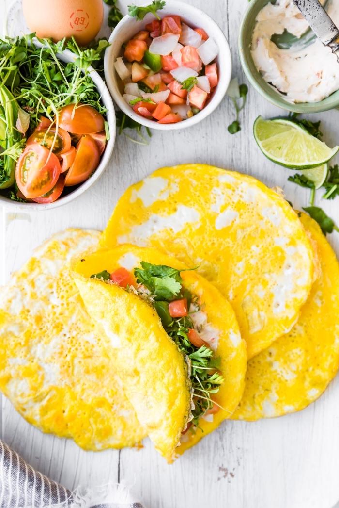 low carb wraps ideen, gesund essen, schnelles frühstück, tortillas mit eiern, vegetarisches rezept