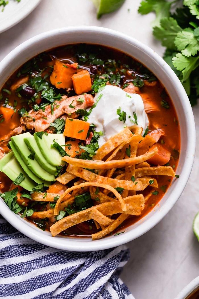 healthy bowl rezepte, mittgessen vorschläge, schnelles essen, einfache kochideen zum mittag