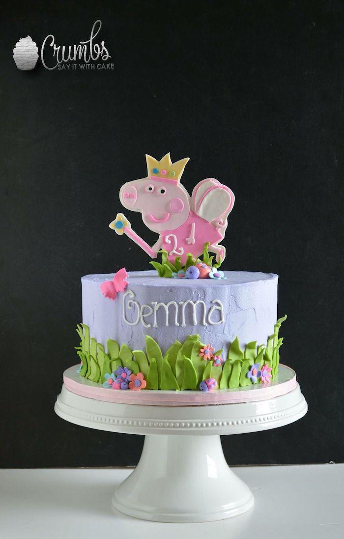 Geburtstagstorte mit Peppa Wutz für Mädchen, Peppa mit Krone und Zauberstab, Blumen und Schmetterlinge