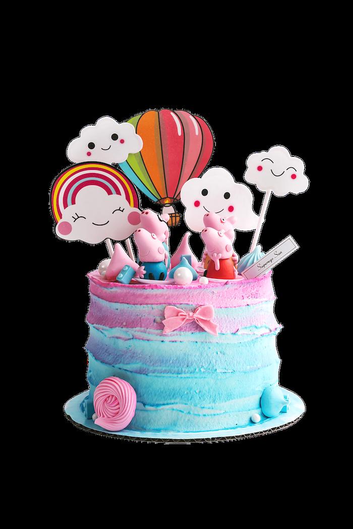 Torte für Kindergeburtstag mit Ombre Creme, Wutz Familie Figuren, weiße Wolken, Regenbogen und Heißluftballon