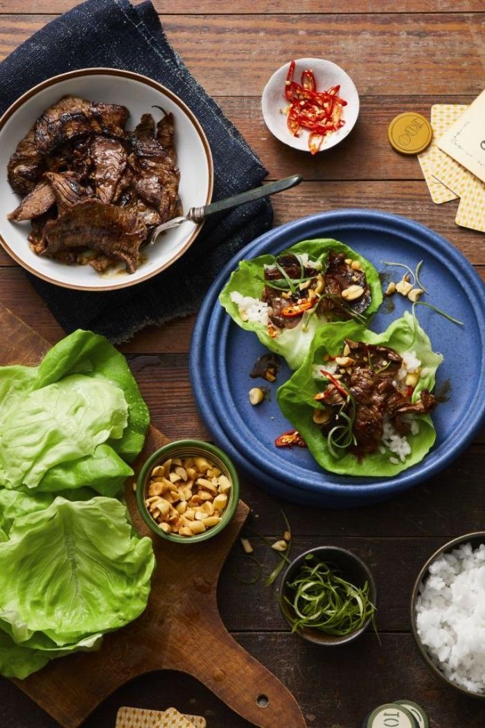 schnelle gerichte mit fleisch, low carb kochen, gesunde tacos mit ananas und rinderfleisch