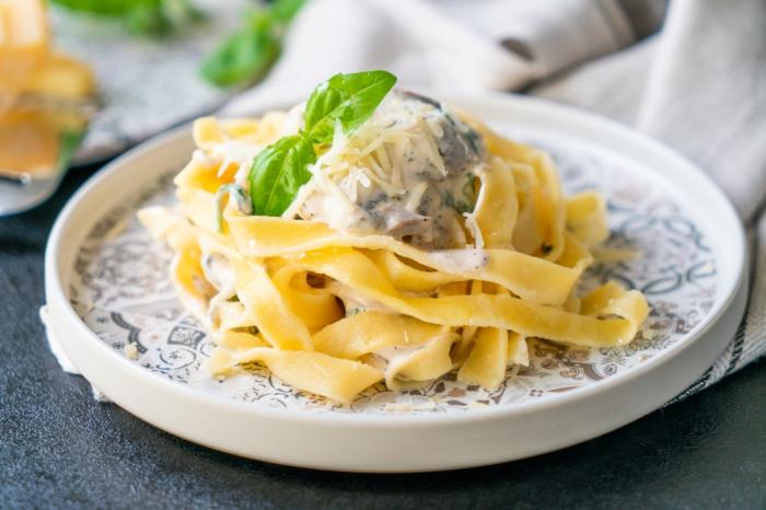 tagliatelle selber machen, schnelle rezepte mittagessen, selbstgemachte pasta