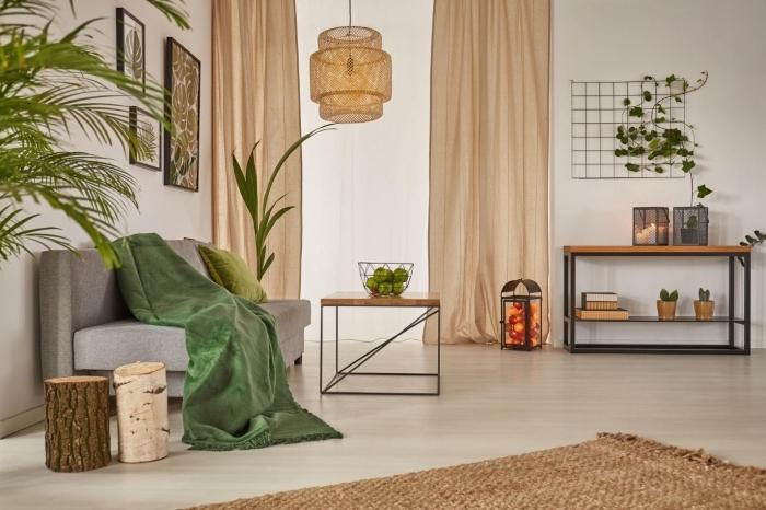 vorhänge in cappuccino, graues sofa, schöner wohnen wandfarbe, dekorationen aus natürlichen materIALIEN