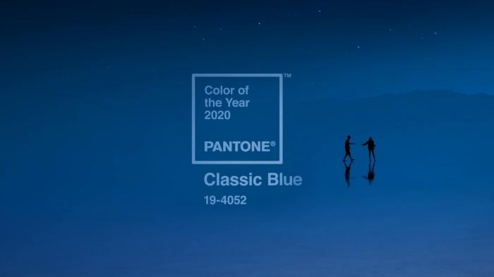 trendfarben 2020, pandtone farbe 2019, wohnung einrichten, wände streichen, dunkelblau