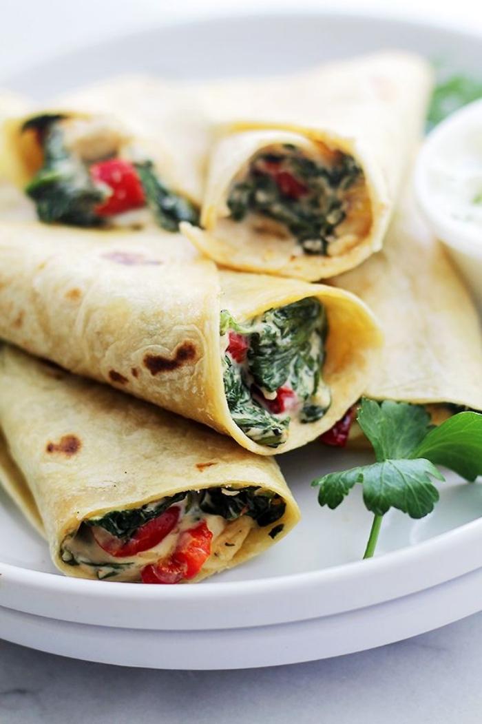 vegetarische wraps mit frishckäse, gesund kochen, was koche ich heute, spannkuchen mit spinat