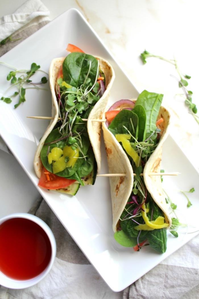 vegetarische wraps rezept mit kräutern, tacos selber machen, kochen ohne fleisch, gesund