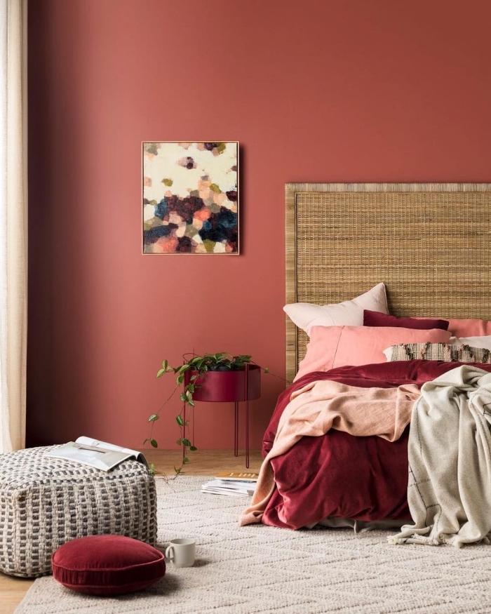 wandfarbe beere, schlafzimmer einrichten und dekorieren, wandgestaltung ideen, wanddeko bild