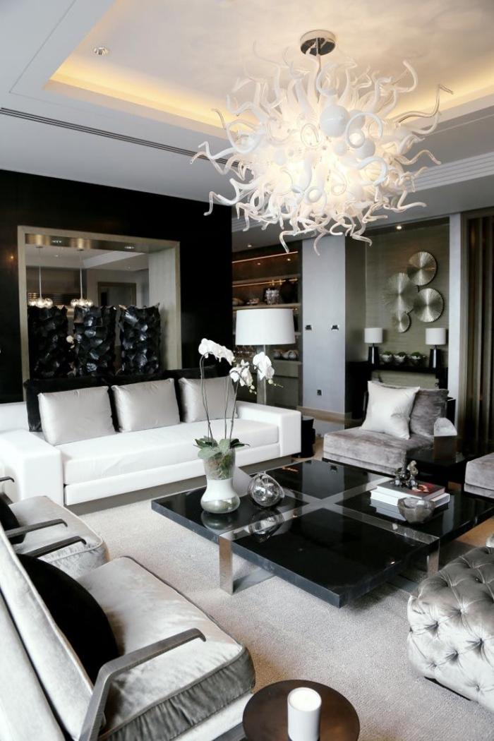 wandfarben trends wohnzimmer, wohnzimmereinrichtung in weiß und schwarz, desinger leuchte
