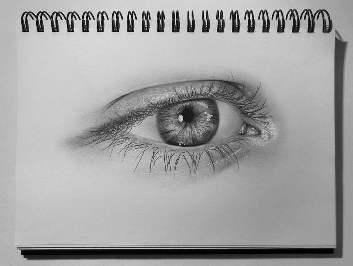 zeichnen lernen mit bleistift schritt für schritt, realitisches bild, große auge, heft