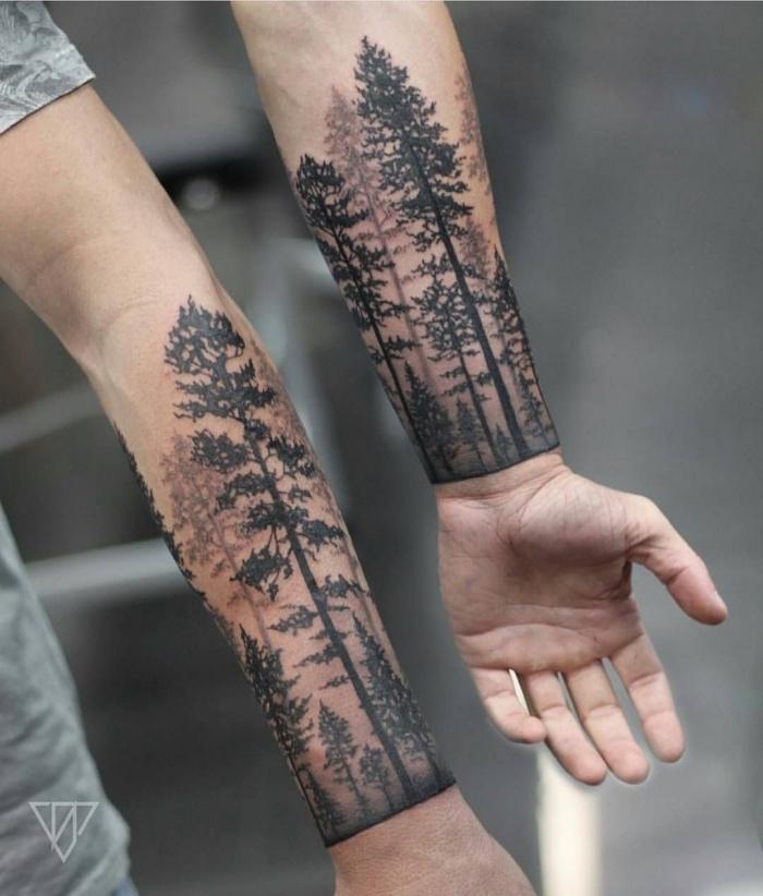 arm tattoo mann, realitische tätoiwerungen für bruder, viele bäume, wald