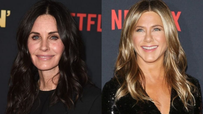 moderne frisuren für ältere damen, jennifer aniston, courtney cox, frisuren mit mittelscheitel