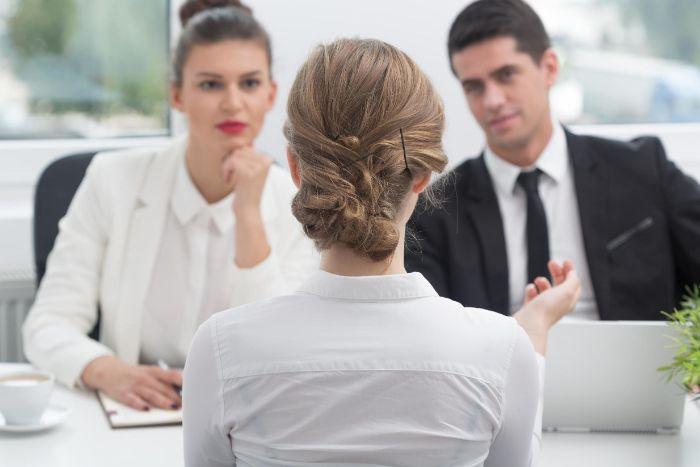 Vorstellungsgespräch führen, Lebenslauf erstellen, Tipps und Vorlagen