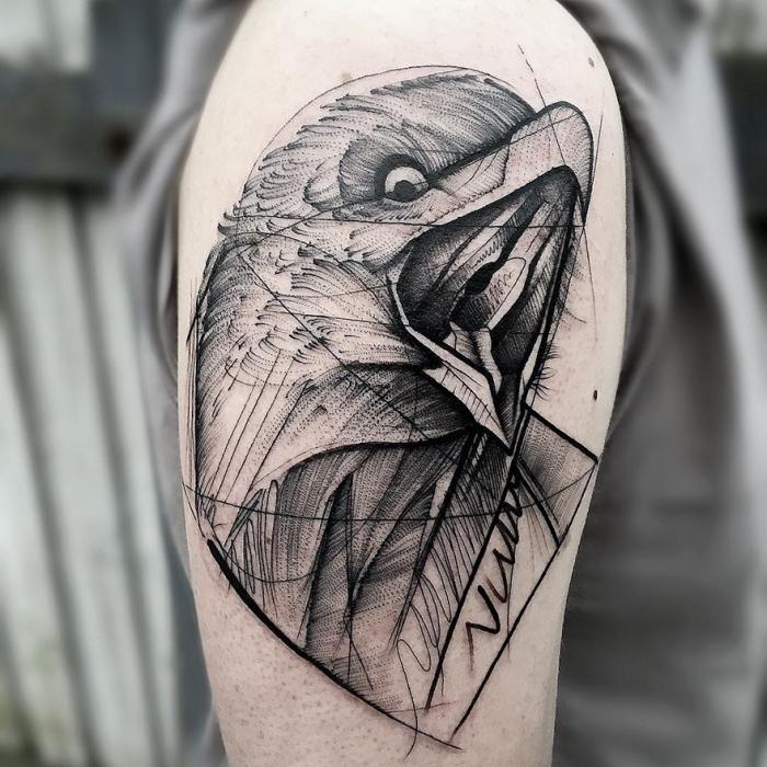 symbol für stärke, adler in schwarz und grau, blakcwork tätowierung am oberarm