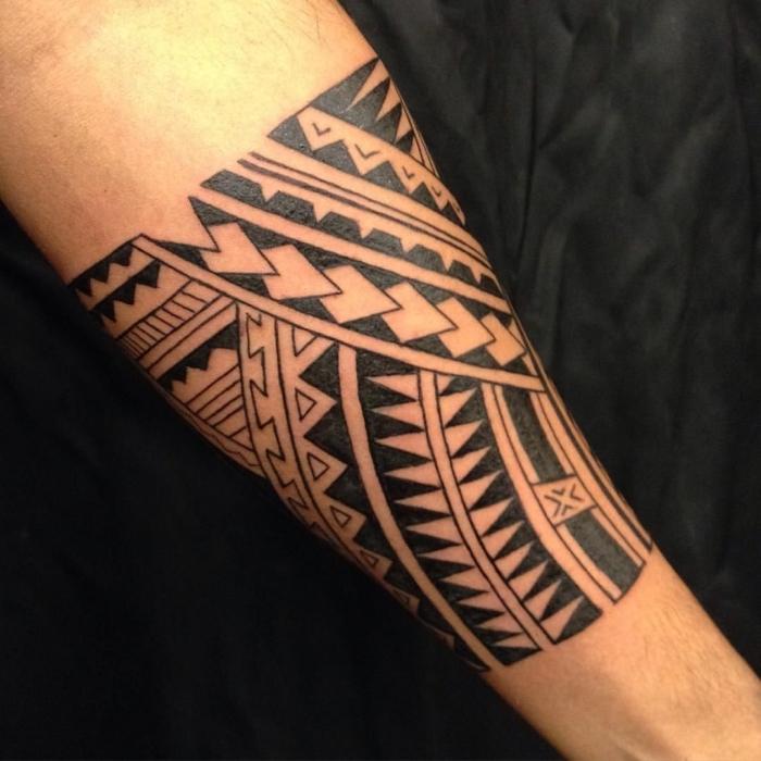 tattoo für neuen lebensabschnitt, tätowierungen für männer, traditional designs