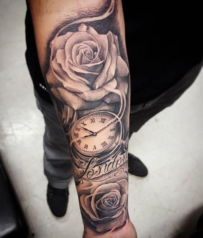 tattoo motive männer, weiße rosen in kombination mit taschenuhr, realitische tätowierung