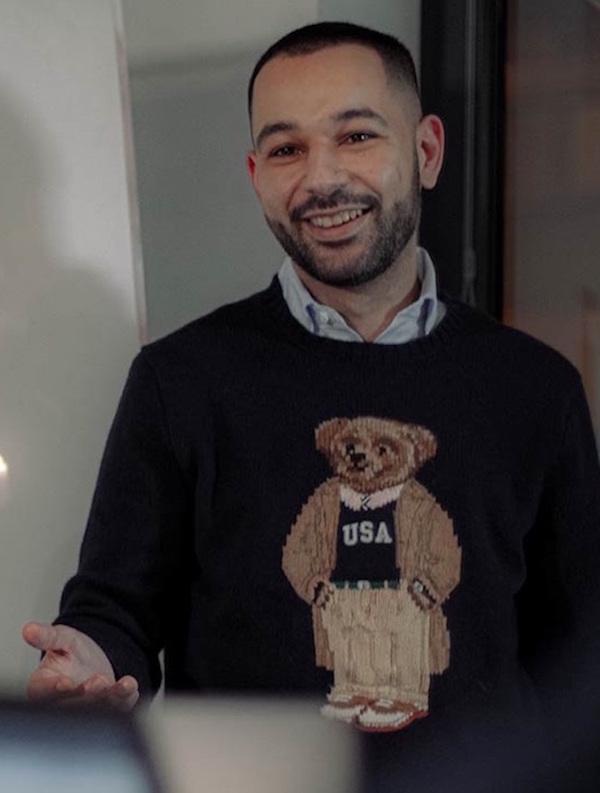 Schnelle Maßnahmen während der Corona-Krise, Mohamed Ali Oukassi unterwegs für AUST Fashion