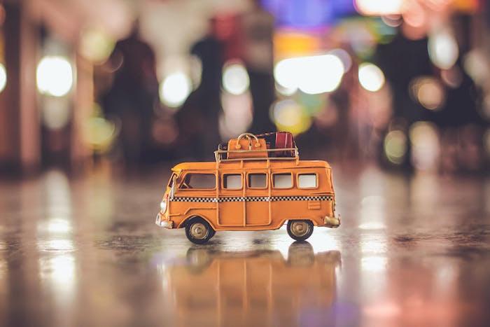 Busreisen stellen eine günstige und zuverlässige Alternative dar