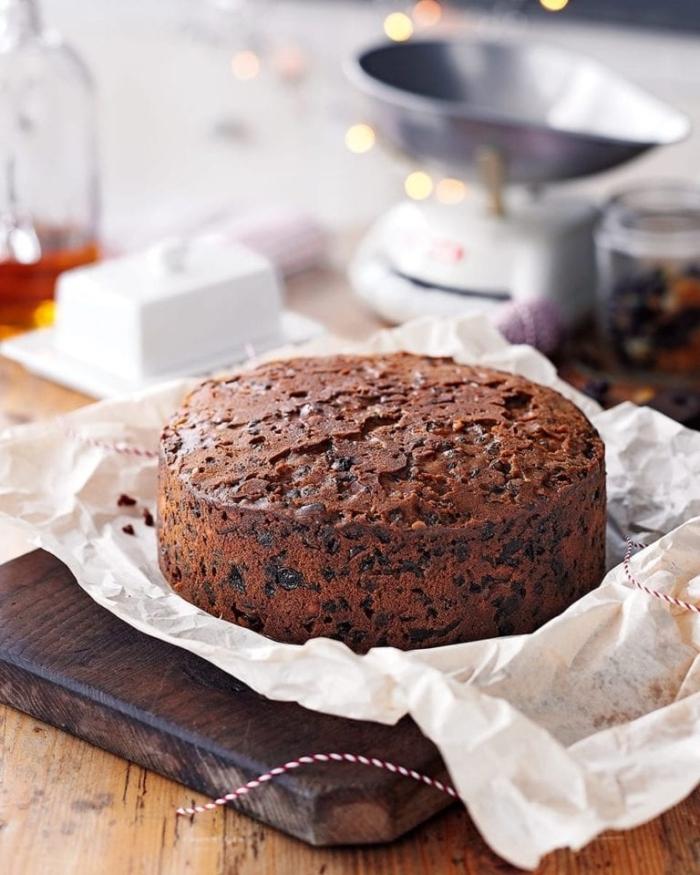 gluten milch und zuckerfreie ernährung, gesunder nachtisch zu weihanchten, kakaokuchen mit datteln