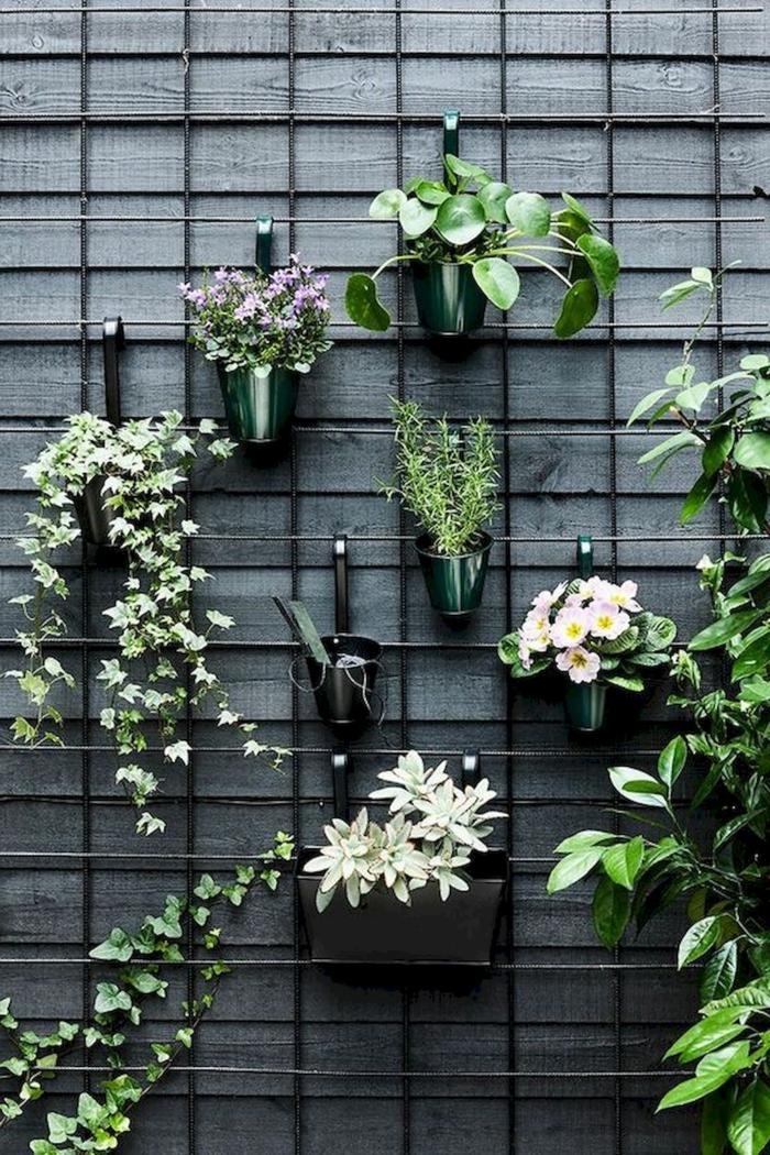 Idee und Inspiration für Gestaltung von Terrassenwand mit Pflanzen und Blumen, Deko für Garten und Terrasse