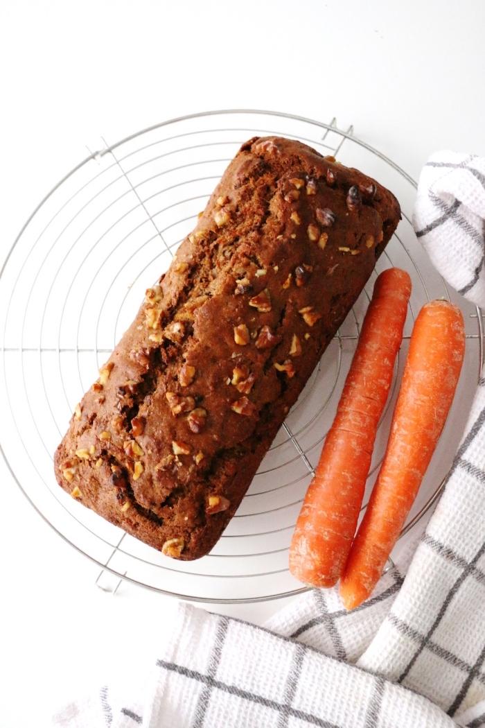 karottenkuchen ohne zucker, kuchen rezepte vegan, kuchenrezept mit karotten und nüssen