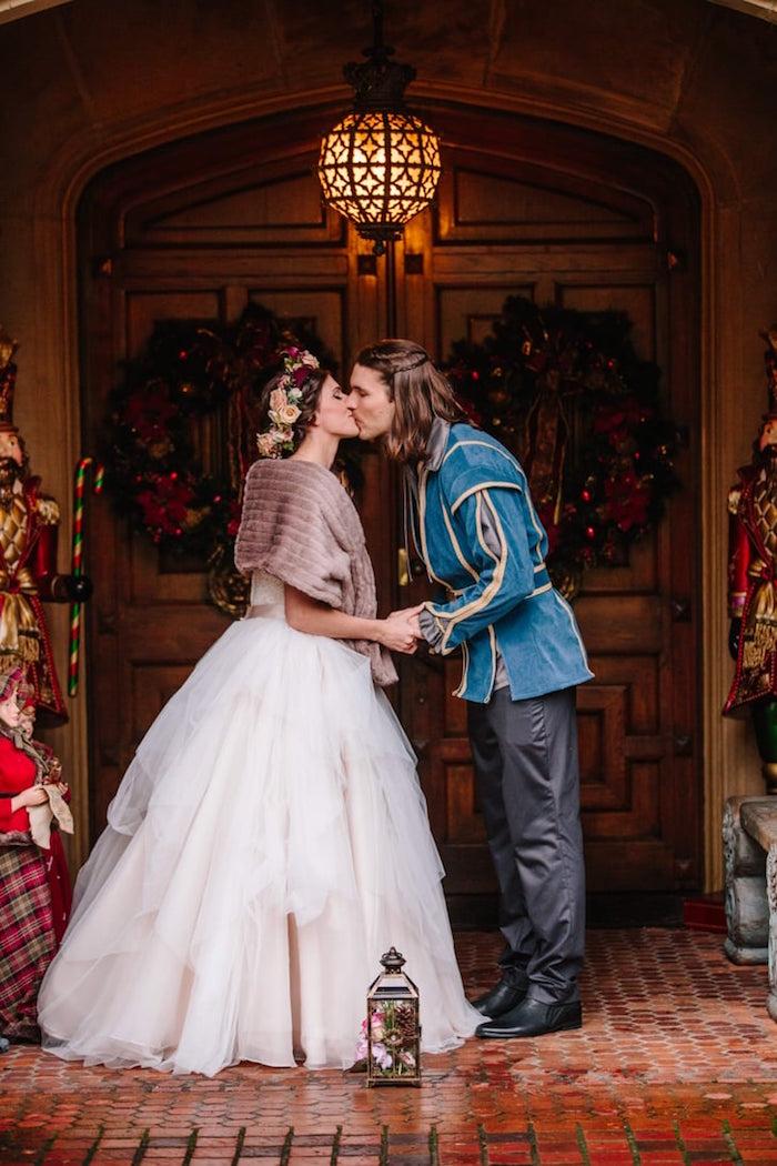 Hochzeit im mittelalterlichen Stil, Mittelalter Kleidung für das Brautpaar