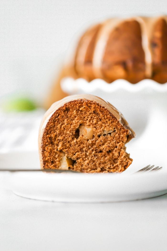obstkuchen vegan, kuchen mit äpfeln und zimt, kuchenrezepte ohne butter und milch