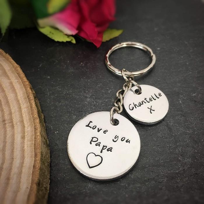 personalisierte geschenke, silberne schlüsselanhänger mit gravür, geschenkideen zum vatertag